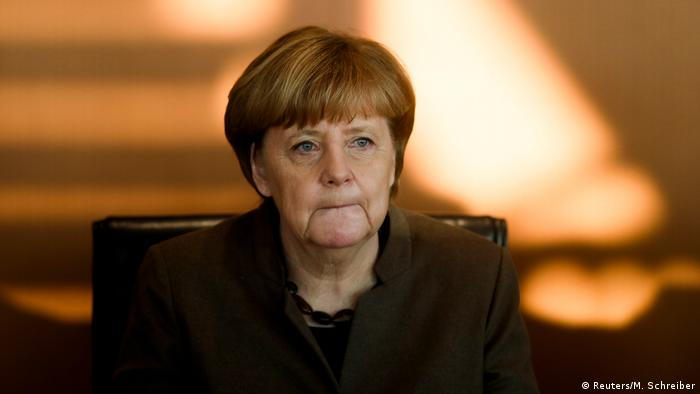Merkel says she would like new elections to minority authorities