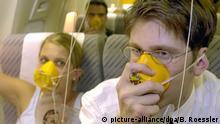 Reisemythen Sauerstoffgerät Sauerstoffmaske Flugzeug Ernstfall Notfall Luftdruck