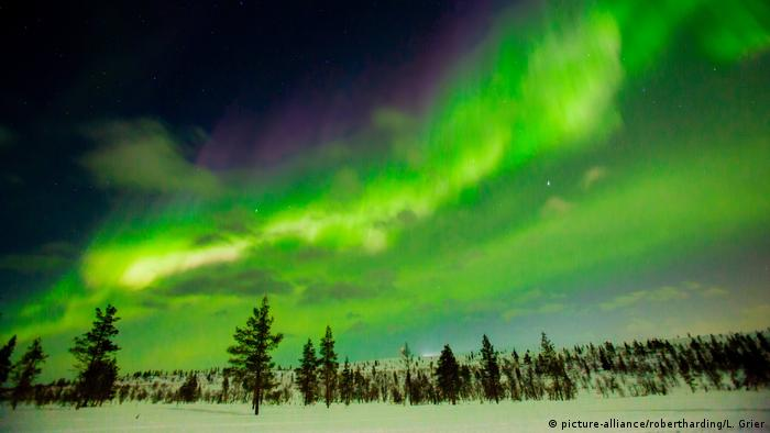 Northern lights in Finland (picture-alliance/robertharding/L. Grier)