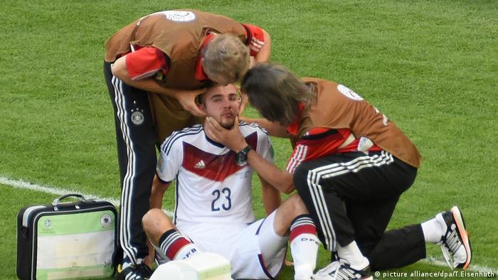 Christoph Kramer Verletzung 2014 (picture alliance/dpa/T.Eisenhuth)