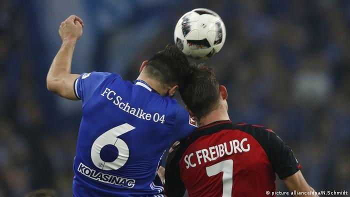 Kopfball Fußball (picture alliance/dpa/N.Schmidt)