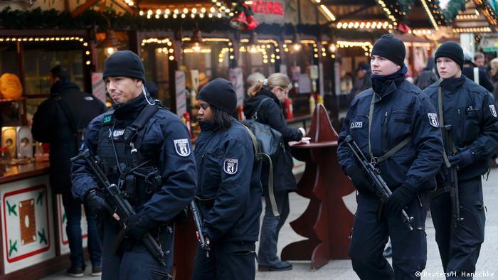 Mercadillo de Navidad tras atentado en Berlín.