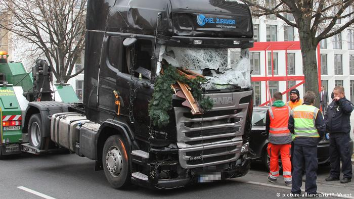Грузовик, таранивший рождественский базар в Берлине