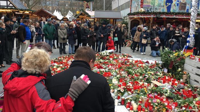 Berlin Breitscheidplatz Wiedereröffnung Weihnachtsmarkt