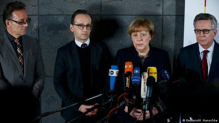 Berlin PK zu LKW Anschlag Merkel, Maas, de Maiziere (Reuters/H. Hanschke)