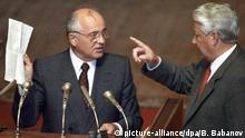 Russland Jelzin fordert Gorbatschow heraus