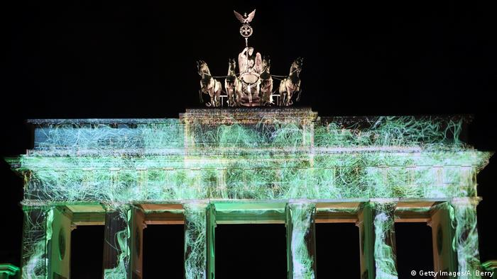 Symbolbild Jahresrückblick 2016 Brandenburger Tor (Getty Images/A. Berry)