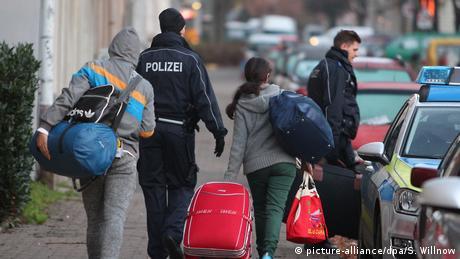 Η Γερμανία επισπεύδει την υποδοχή προσφύγων