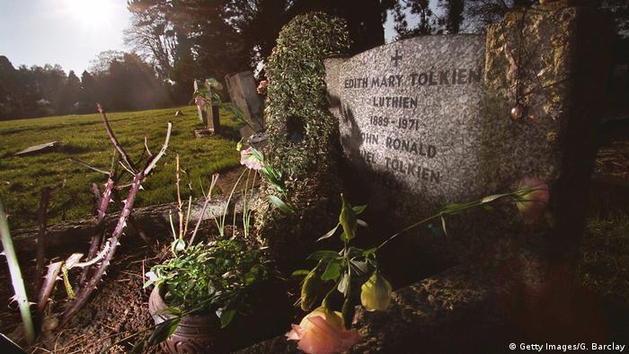 Grab von Tolkien und seiner Frau Edith auf dem Friedhof von Oxford (Getty Images/G. Barclay)