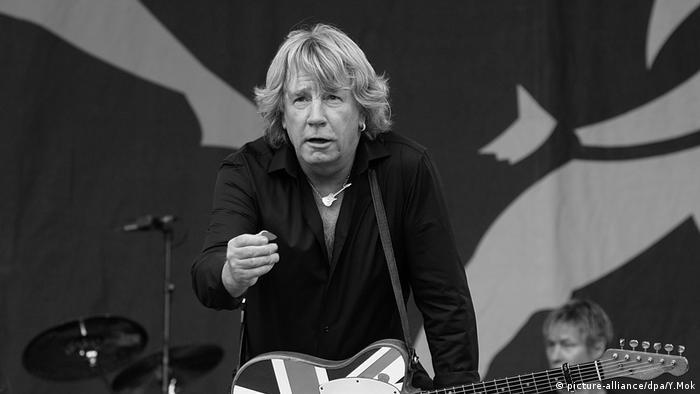 En la tarde del día 24 de diciembre de 2016 falleció en la ciudad española de Marbella el guitarrista y compositor británico Rick Parfitt, fundador en los sesenta de la banda Status Quo. Parfitt tenía 68 años y regentaba junto a su mujer y un socio un negocio inmobiliario en la Costa del Sol española.