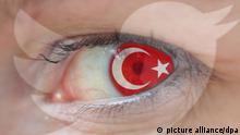 Symbolbild fuer die Internet Zensur von Social Media Plattformen durch ein von Ministerpraesident Erdogan verabschiedetes Gesetz in der Tuerkei Logo von Twitter im Auge einer Frau mit Flagge der Tuer | Verwendung weltweit