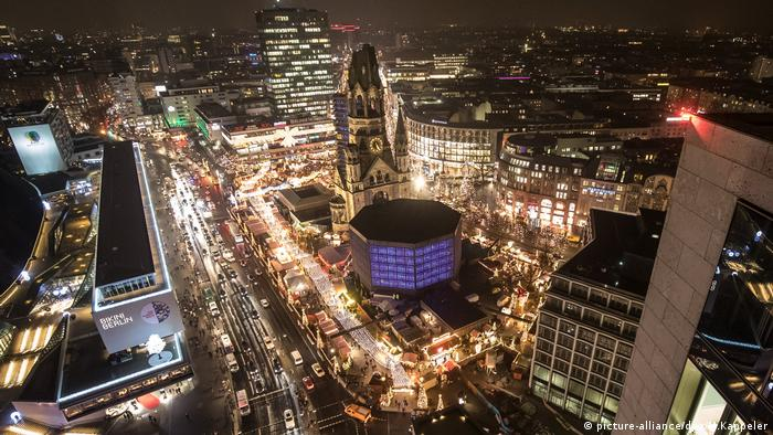 Nach Anschlag auf Berliner Weihnachtsmarkt Gedächtniskirche (picture-alliance/dpa/M.Kappeler)