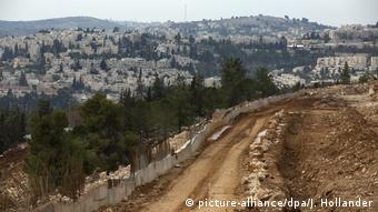 Westbank - Siedlung Ramat Shlomo (picture-alliance/dpa/J. Hollander)