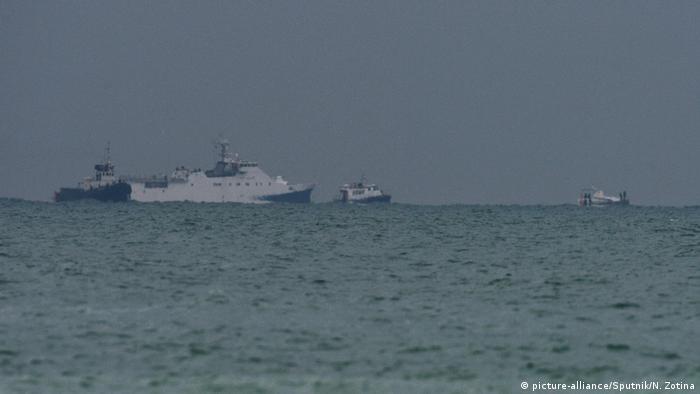 Корабли во время спасательной операции в Черном море
