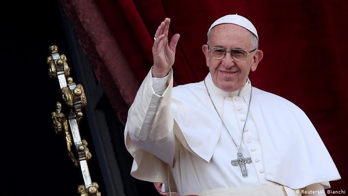 Vatikan Papst gedenkt in Weihnachtsbotschaft der Kriegs- und Terroropfer