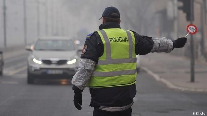 Policija u Sarajevu i danas (26.12.2016) samo piše upozorenja vozačima koji ne poštuju pravilo par-nepar