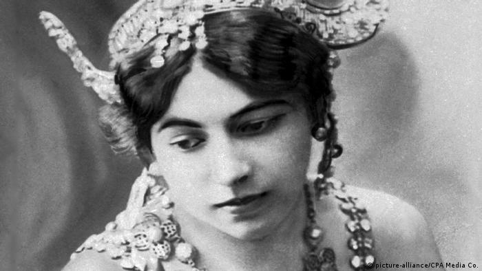 Margaretha Geertruida Zelle Mata Hari (c. 1907) (picture-alliance/CPA Media Co.)