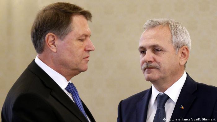 Rumänien Liviu Dragnea Klaus Iohannis (picture-alliance/dpa/R. Ghement)