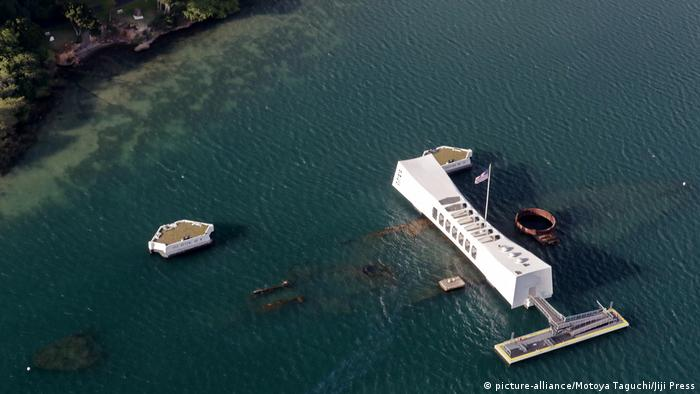 USA USS Arizona Memorial in Honolulu (picture-alliance/Motoya Taguchi/Jiji Press)
