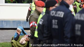 Österreich Flüchtlinge am Grenzübergang