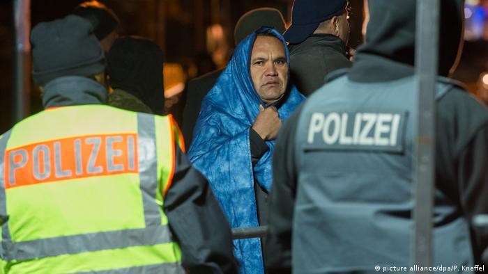 Izbjeglica na granici Austrije i Njemačke