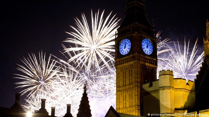 Neujahr - Feuerwerk in London (picture-alliance/ZUMAPRESS/I. Infantes)