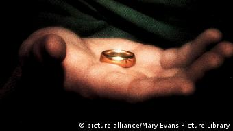 Herr der Ringe Filmplakat (picture-alliance/Mary Evans Picture Library)