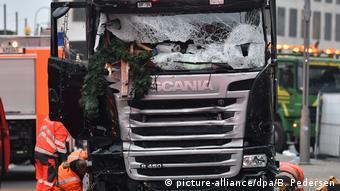 Το φορτηγό με το οποίο ο Ανίς Αμρί παρέσυρε στον θάνατο 12 επισκέπτες της χριστουγεννιάτικης αγοράς στο Βερολίνο