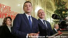 28.12.2016 *** Sorin Grindeanu (C) gestures while answering a question during a press conference held alongside Romania's Social Democrat party (PSD) leader, Liviu Dragnea (R), in Bucharest, Romania December 28, 2016. Inquam Photos/Octav Ganea/via REUTERS ATTENTION EDITORS - THIS IMAGE WAS PROVIDED BY A THIRD PARTY. EDITORIAL USE ONLY. ROMANIA OUT. NO COMMERCIAL OR EDITORIAL SALES IN ROMANIA