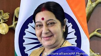 Indien Sushma Swaraj in Neu-Delhi (picture-alliance/AP Photo/K. Kishore)