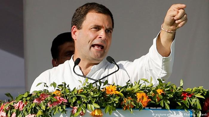 Indien Rahul Gandhi in Mehsana (picture-alliance/AP Photo/A. Solanki)