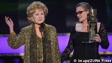 Debbie Reynolds und Carrie Fisher beim 21. Screen Actors Guild Awards (imago/ZUMA Press)