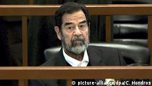 Irak Saddam Hussein im Gerichtssaal