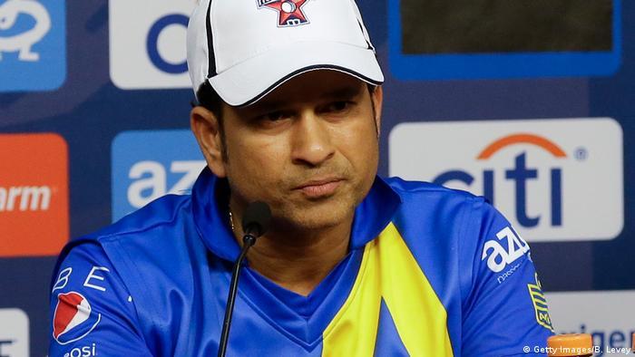 Indien Cricketspieler Sachin Tendulkar (Getty Images/B. Levey)
