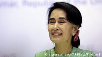 Aung San Suu Kyi (Foto: picture-alliance/AP Photo/W. Maye-E)