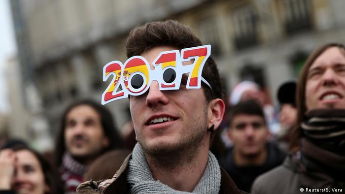 Spanien Madrid Jahreswechsel (Reuters/S. Vera)