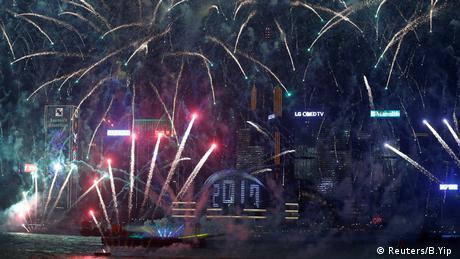 Feuerwerk Silvester Hong Kong Neujahr (Reuters/B.Yip )