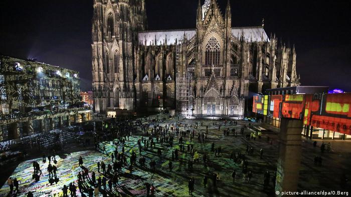 Köln Silvester Domplatte Dom Sicherheit Polizei 2016 2017