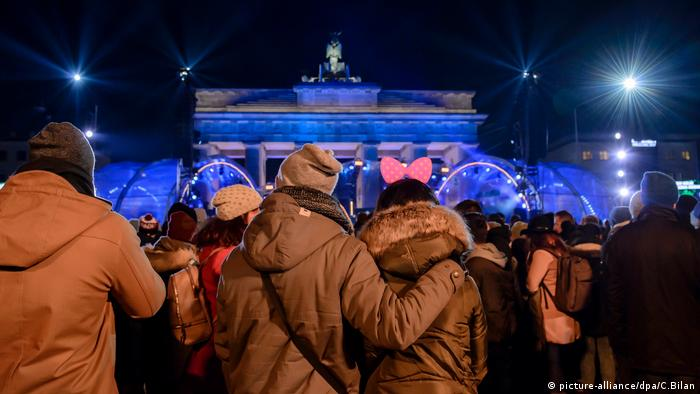Silvester Berlin 2016 / 2017 (picture-alliance/dpa/C.Bilan)