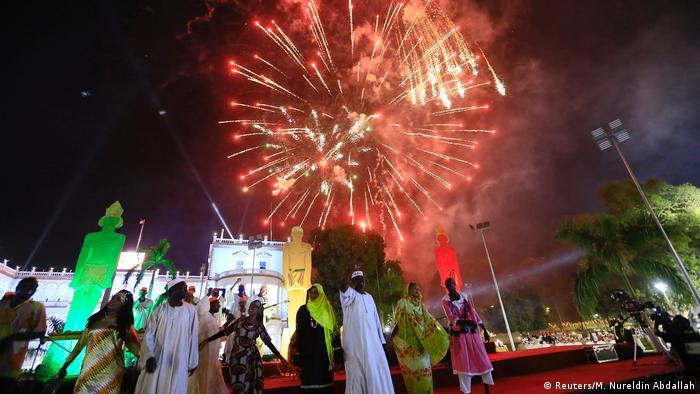 Sudan - Feuerwerk am Palast Khartoum (Reuters/M. Nureldin Abdallah)