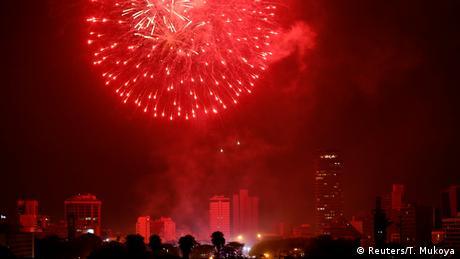 Kenia Nairobi - Feuerwerk zum neuen Jahr (Reuters/T. Mukoya)