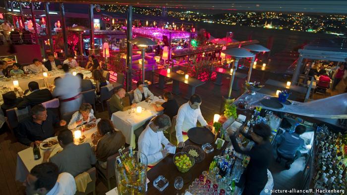 Ночной клуб в Стамбуле на берегу Босфора (фото из архива)