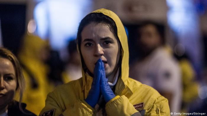 Türkei Istanbul - Angriff auf Nachtclub - Verwandte der Opfer (Getty Images/Stringer)