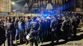 2000 полицейских встречали Новый год в Кельне в кругу агрессивных молодых людей