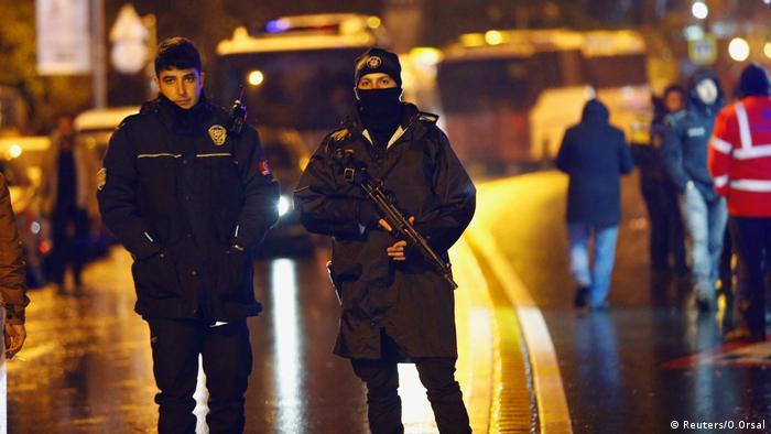 Un atentado dejó 39 muertos y 65 heridos en Nochevieja en el club Reina, de Estambul. El autor del ataque terrorista fue detenido el 17.01.2017 por la Policía. Se trata de Abdulgadir Masharipov, de 34 años y natural de Uzbekistán, según confirmaron las autoridades turcas.