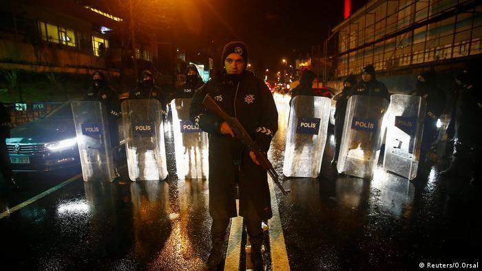 Türkei Polizei Straßensperre Kontrolle (Reuters/O.Orsal)