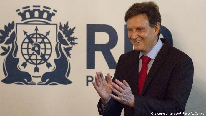 Brasilien | Marcelo Crivella bei seiner Amtseinführung zum Bürgermeister von Rio de Janeiro (picture-alliance/AP Photo/L. Correa)