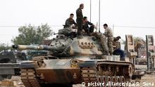 Türkische Armee an der syrischen Grenze
