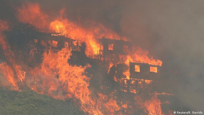 Chile | Großbrand in Valparaiso (Reuters/R. Garrido)