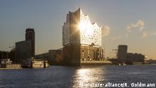 Deutschland Elbphilharmonie in Hamburg (picture-alliance/R. Goldmann)
